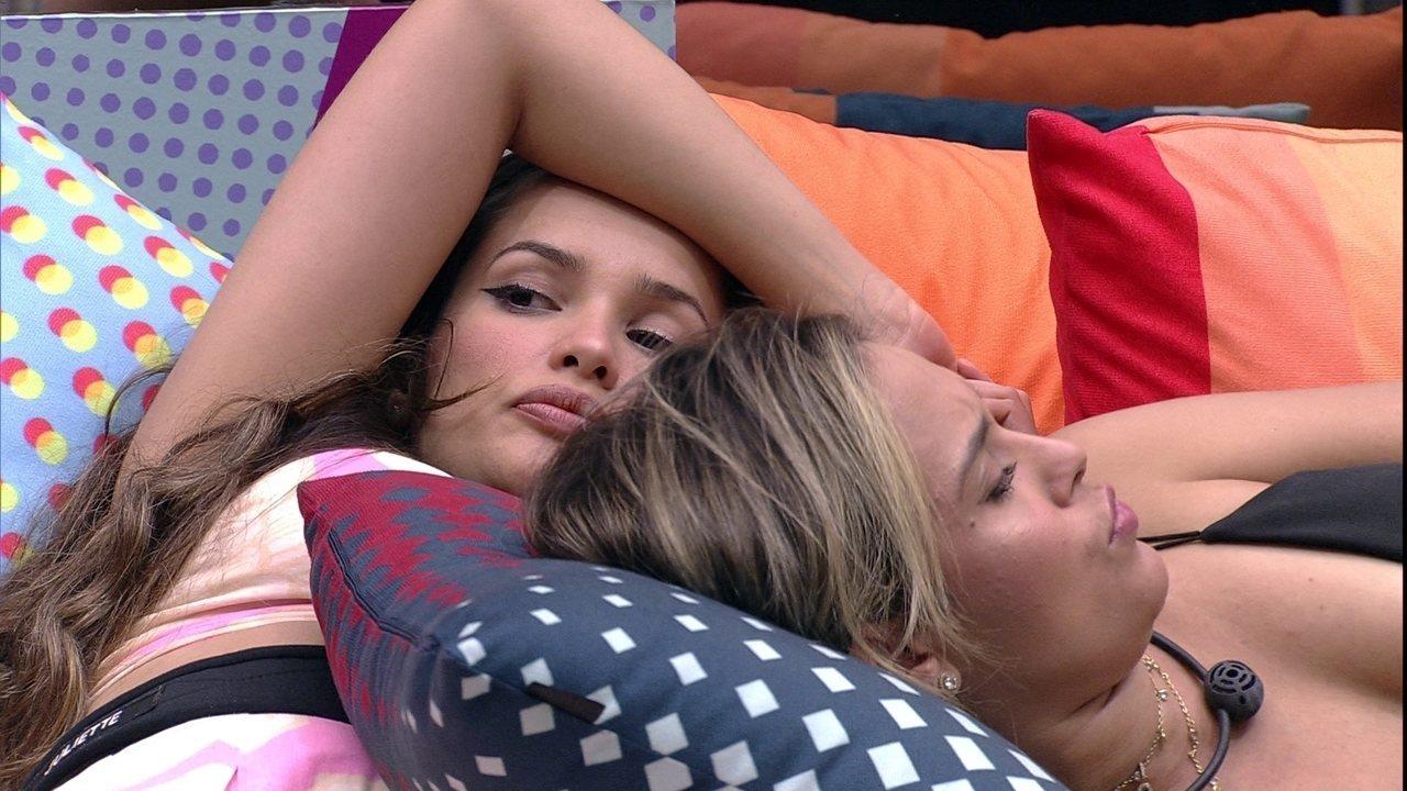 Juliette comenta com sister sobre conversa com Gilberto do BBB21: 'Cada um por si'