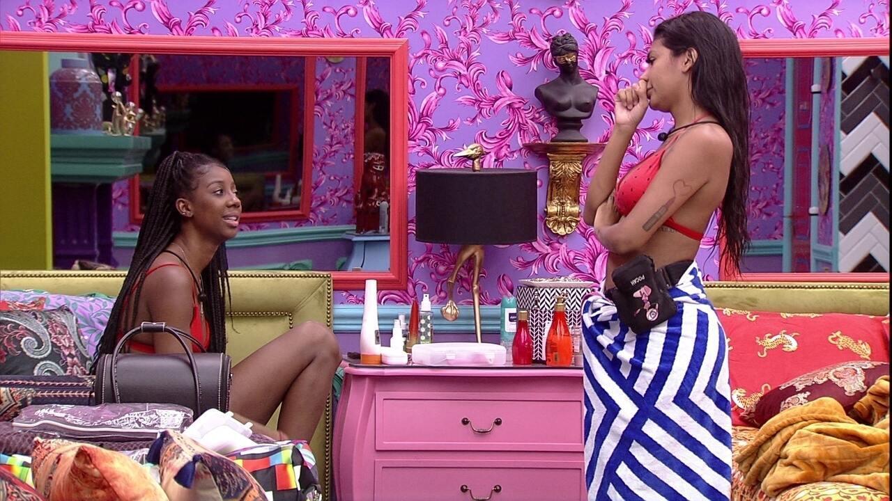 Pocah desabafa com sister: 'Eu sentia que não estava conseguindo ser eu mesma'