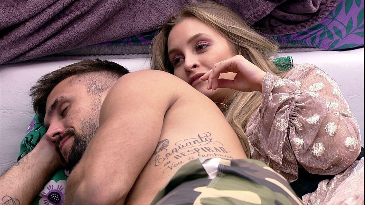 Arthur dispara para Carla Diaz no BBB21: 'O Brasil está vendo, está me julgando'