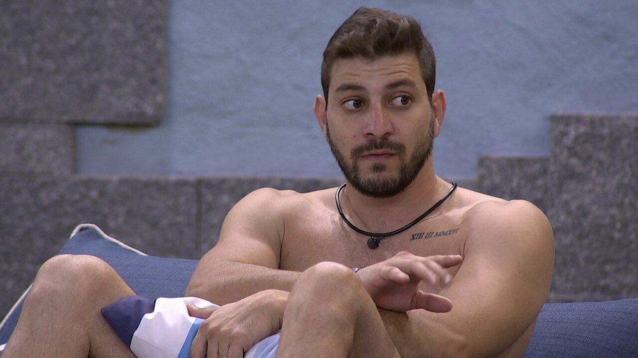 Carla Diaz desabafa sobre Arthur no BBB21, e Caio aconselha a sister