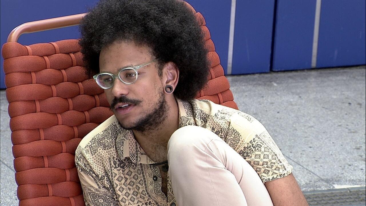 João Luiz diz a sister sobre o fato dela estar chateada no BBB21: 'Não é bobeira'