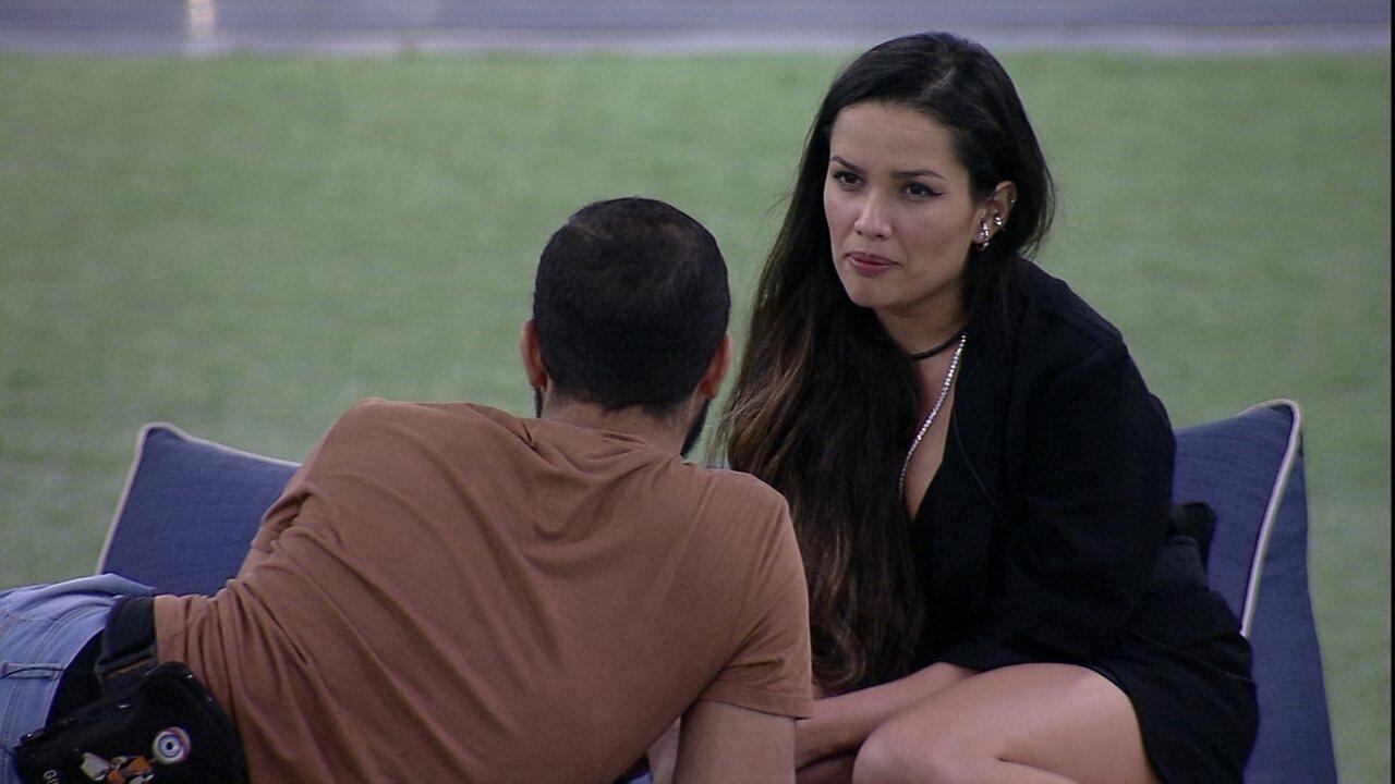 Juliette pede que Gilberto pare com ações e avisa: 'Já estou machucada e calejada'