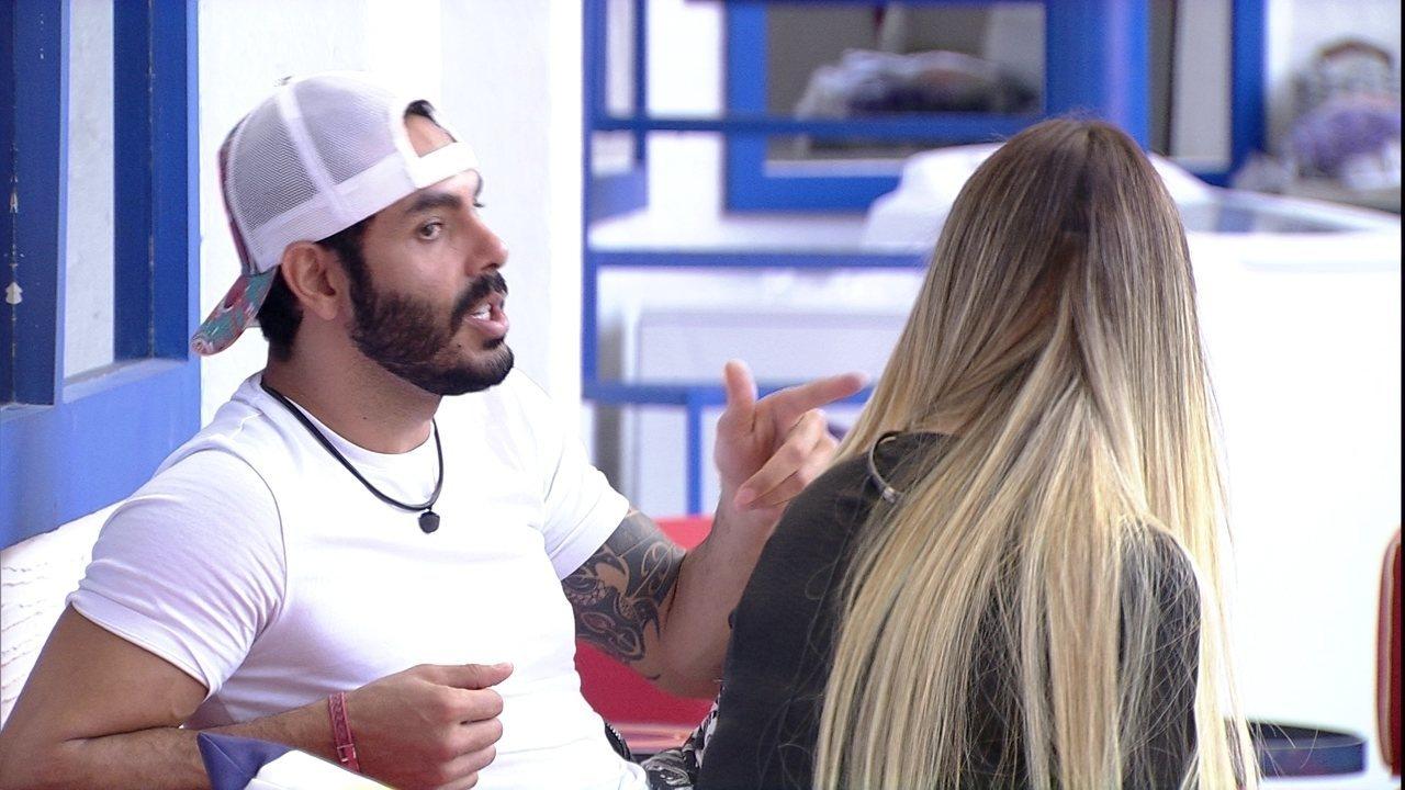 No BBB21, Rodolffo diz para Sarah: 'Amigo tem que falar a verdade um para o outro'
