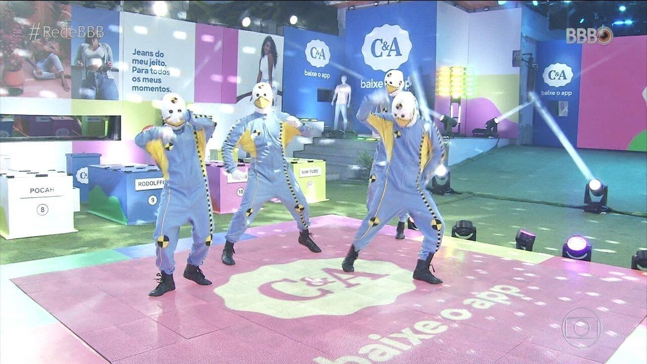 Dummys demonstram como é a Prova do Líder Maratona de Dança C&A no BBB21