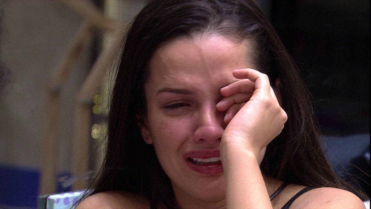 No BBB21, Juliette chora e desabafa sobre Gilberto: 'Fico com pena porque ele está sozinho