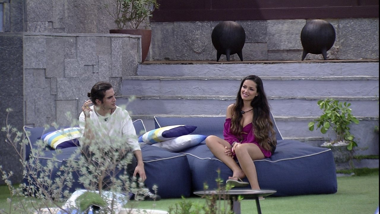 Juliette e Fiuk analisam atitudes de Pocah no BBB21: 'É muito estranho'