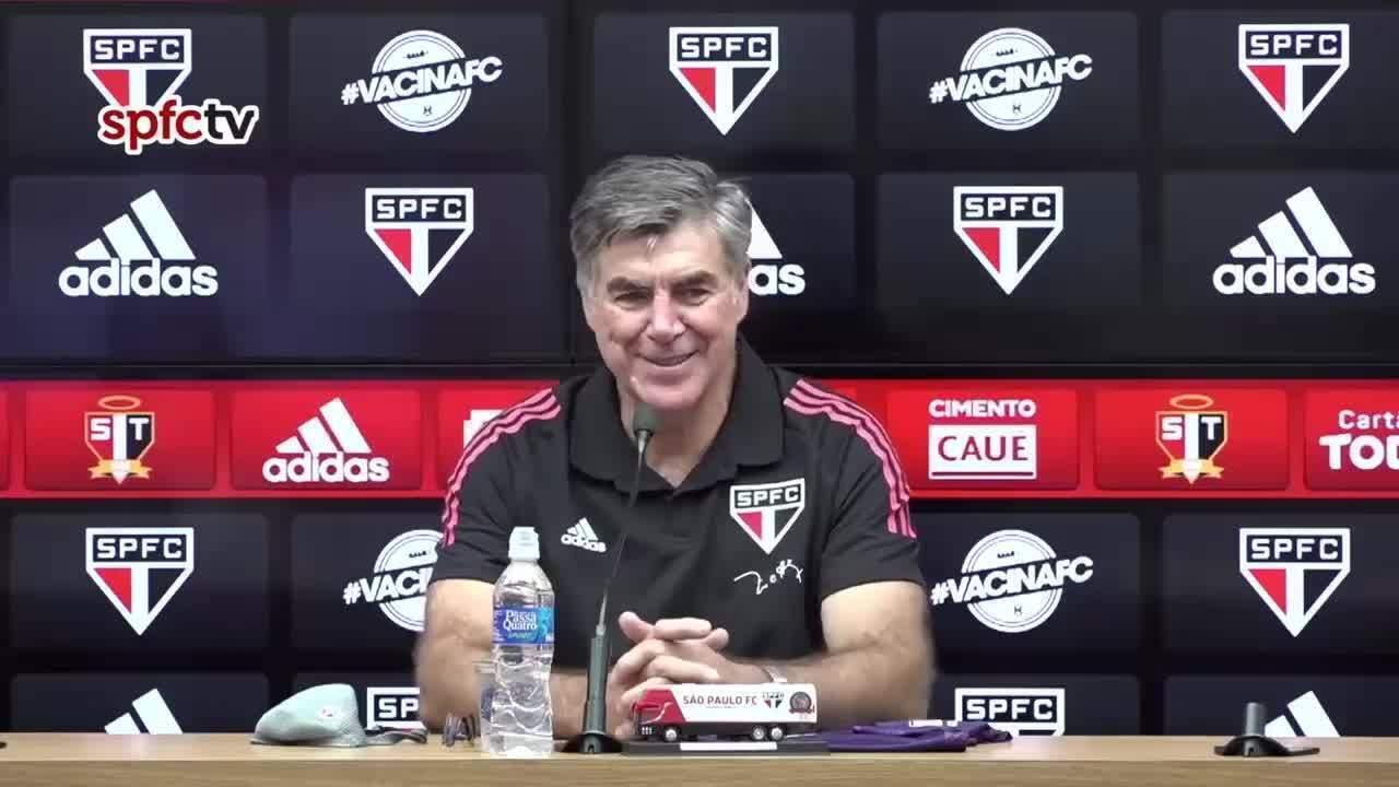 Veja a coletiva de apresentação de Zetti como coordenador de goleiros da base do São Paulo