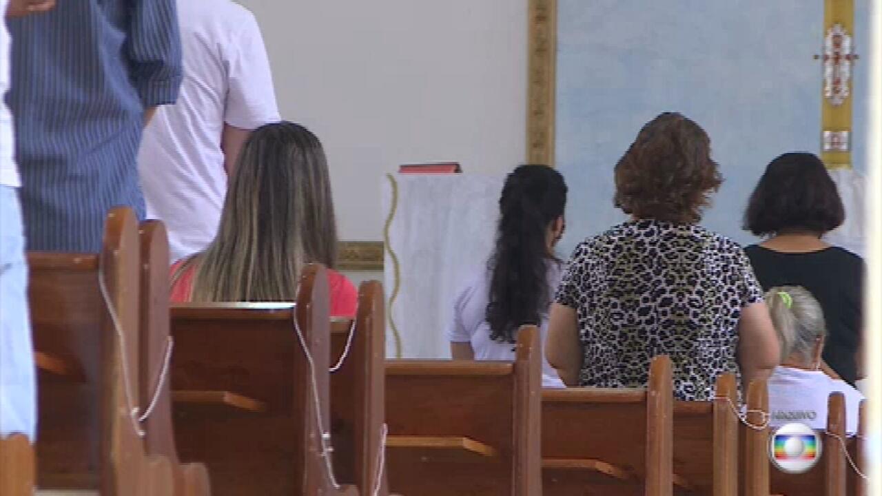 STF decide que estados e municípios podem proibir cultos e missas presenciais para combater a pandemia