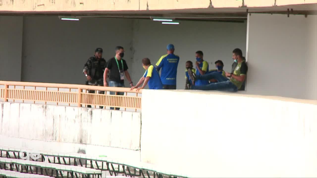 Técnico Paulo Júnior é expulso e é impedido de ficar em área do estádio Albertão