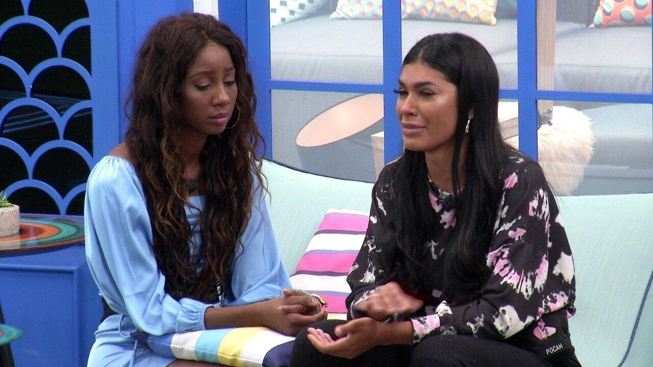 Pocah chora e questiona voto de Camilla de Lucas: 'Você aqui é uma prioridade pra mim'