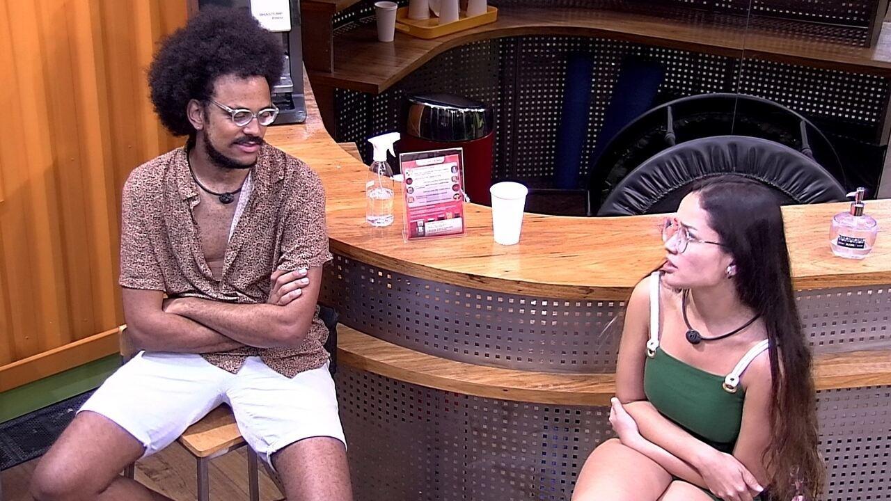 Juliette relembra desavenças e João Luiz dispara: 'Você só não brigou comigo'