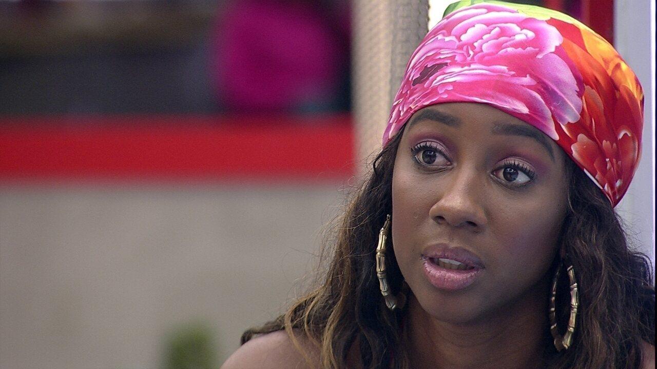 BBB21:Camilla de Lucas diz a sister durante conversa sobre aproximação: 'Uma mulher forte'