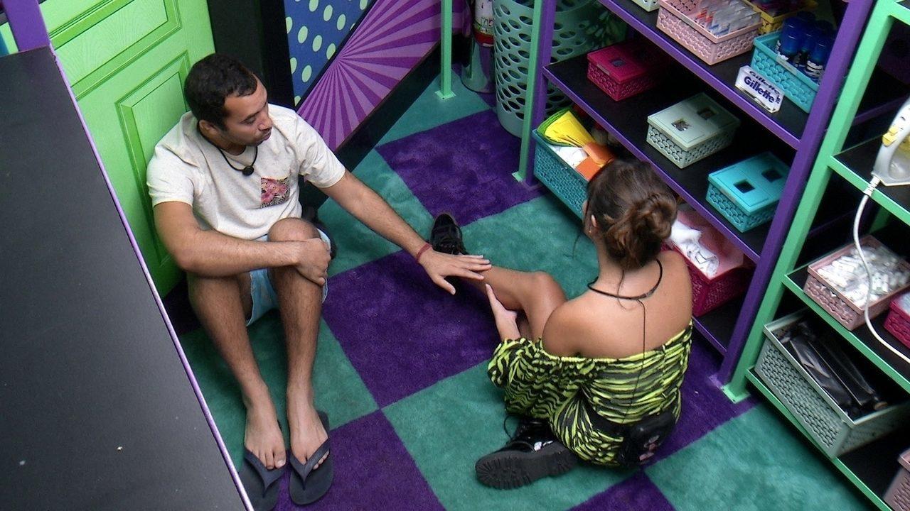 Gilberto defende Fiuk em conversa com Thaís: 'Sei que você é uma prioridade pra ele'