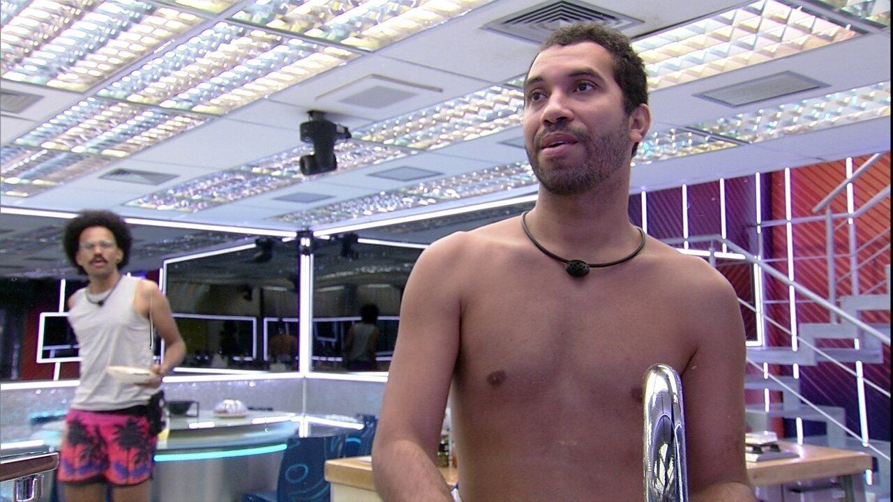 Gilberto comenta sobre a Final do BBB21: 'Não queria estar só de plateia'