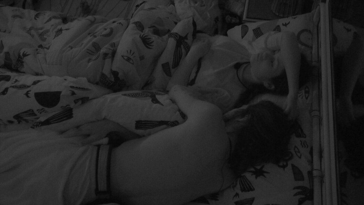 Todos dormem na casa do BBB21 após Festa do Líder Caio