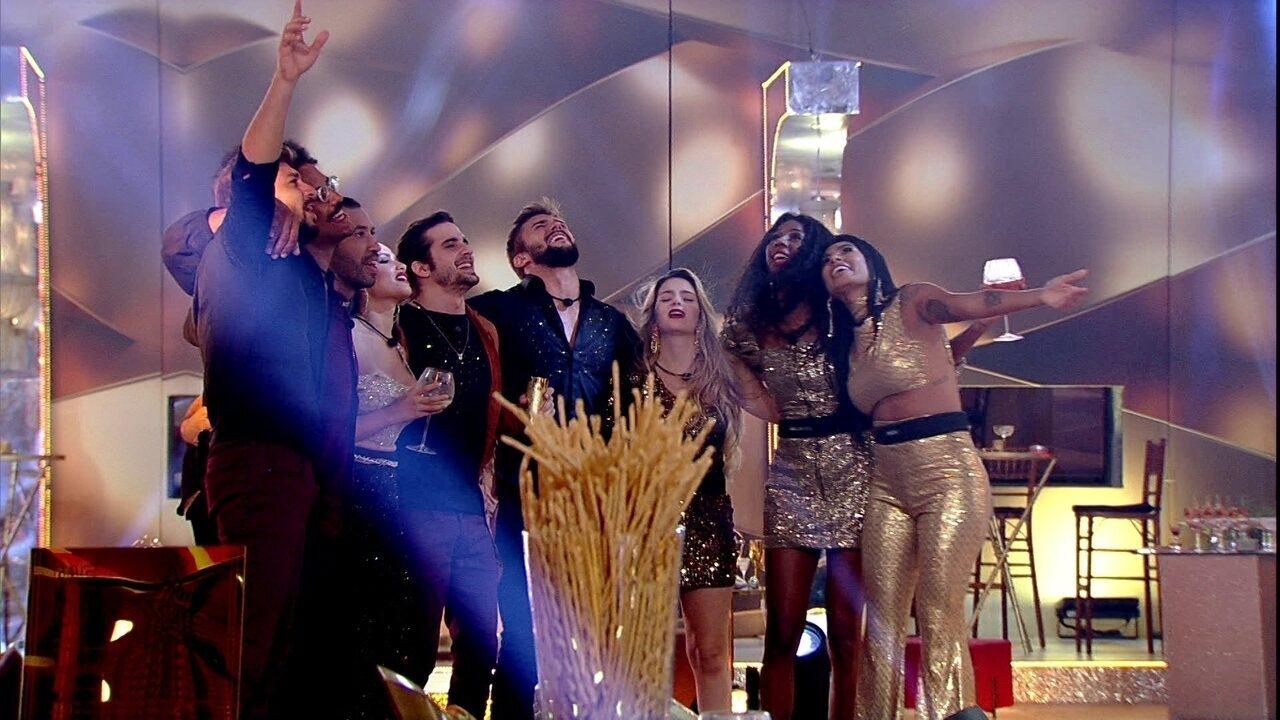 Brothers cantam música de Fábio Jr. e se abraçam em festa no BBB21