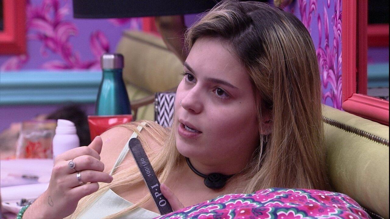Viih Tube comenta com Pocah sobre atitude de Juliette na discussão com a cantora
