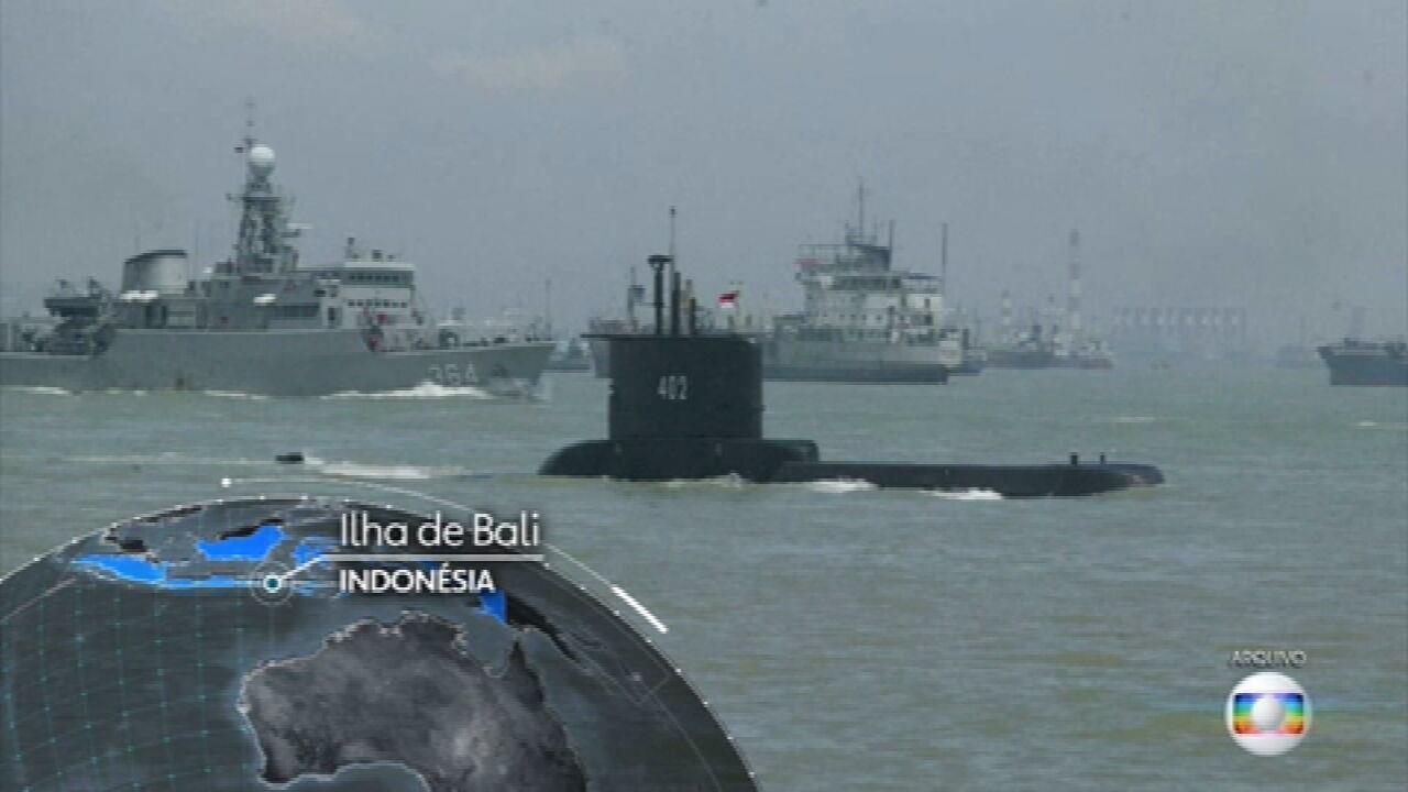 Submarino da marinha da Indonésia desaparece durante treinamento com 53 tripulantes