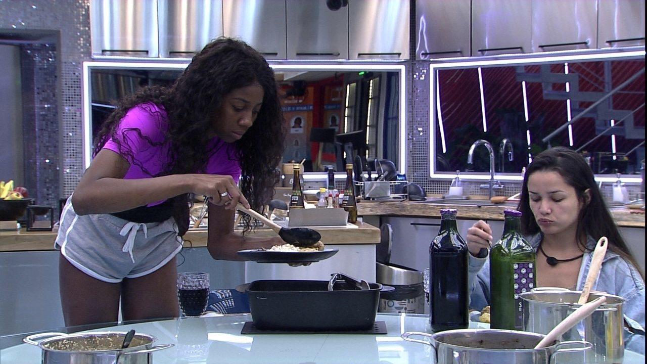 Brothers fazem refeição juntos e Camilla e Lucas agradece: 'Obrigada Fiuk por cozinhar'