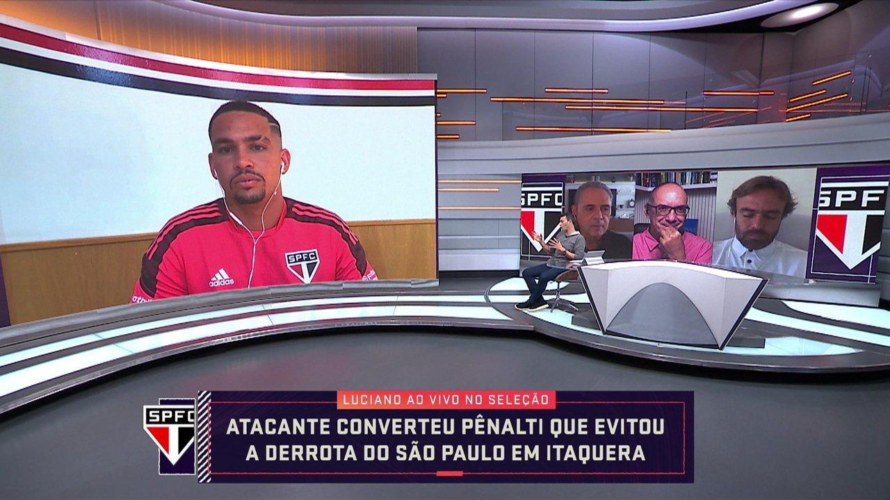 """""""O nosso time é muito ofensivo, mesmo com três zagueiro"""", diz Luciano atacante do São Paulo"""