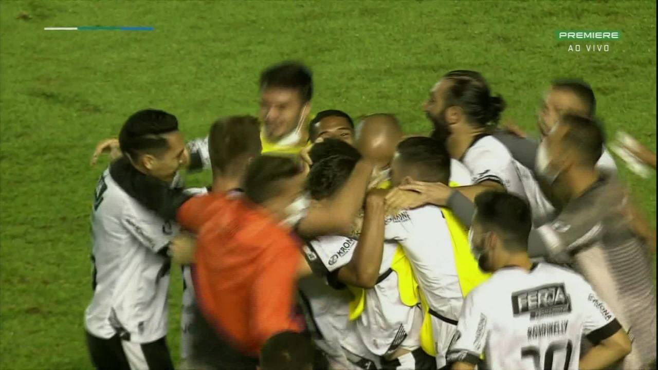 Gol dell'Inter.  Raphael Santos prende il surplus all'ingresso dell'area, lo raddrizza al petto e lo colpisce