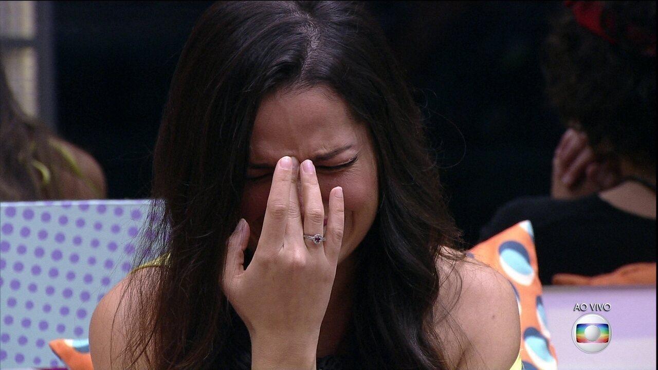 Juliette se emociona no BBB21 com recado da família