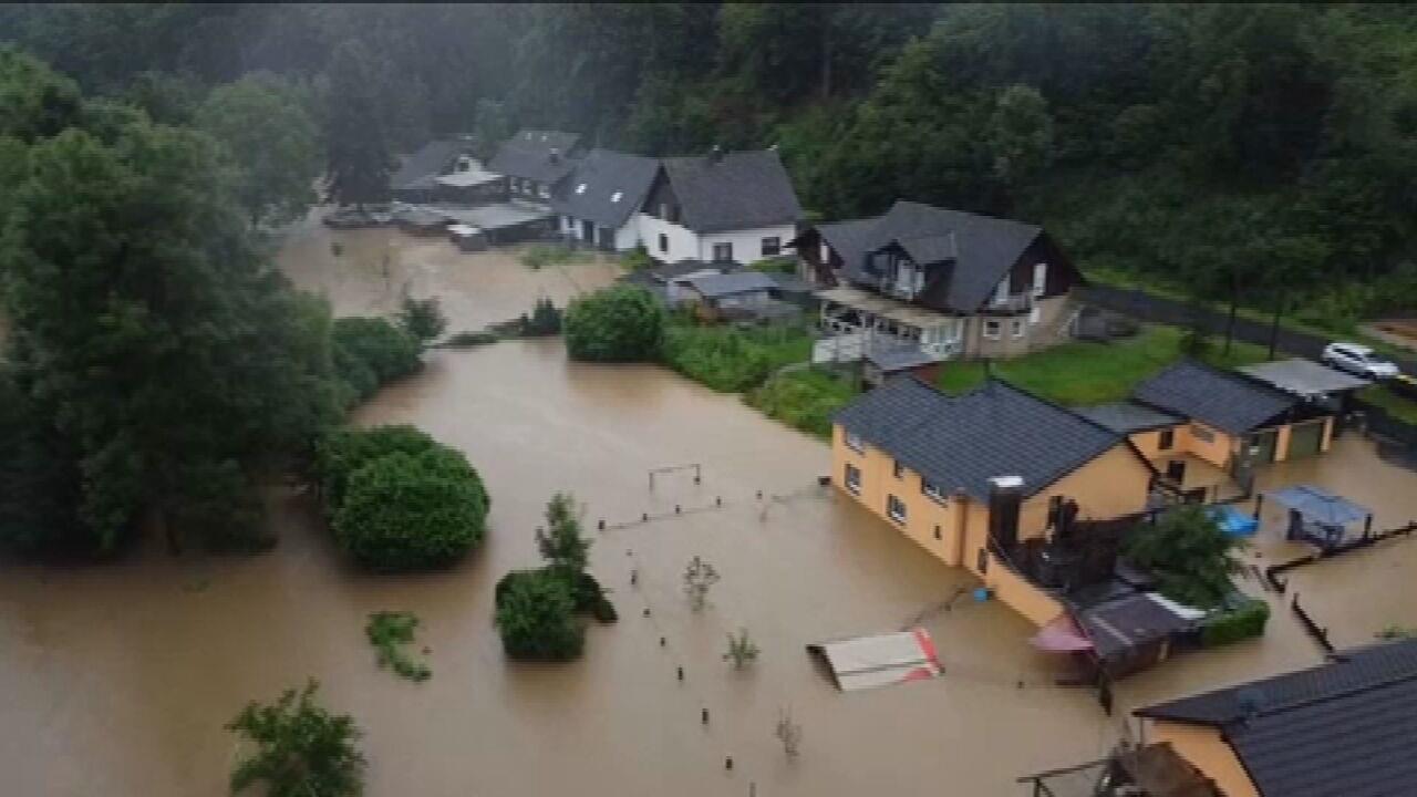 Le tempeste nella Germania occidentale lasciano 200.000 famiglie morte o ferite