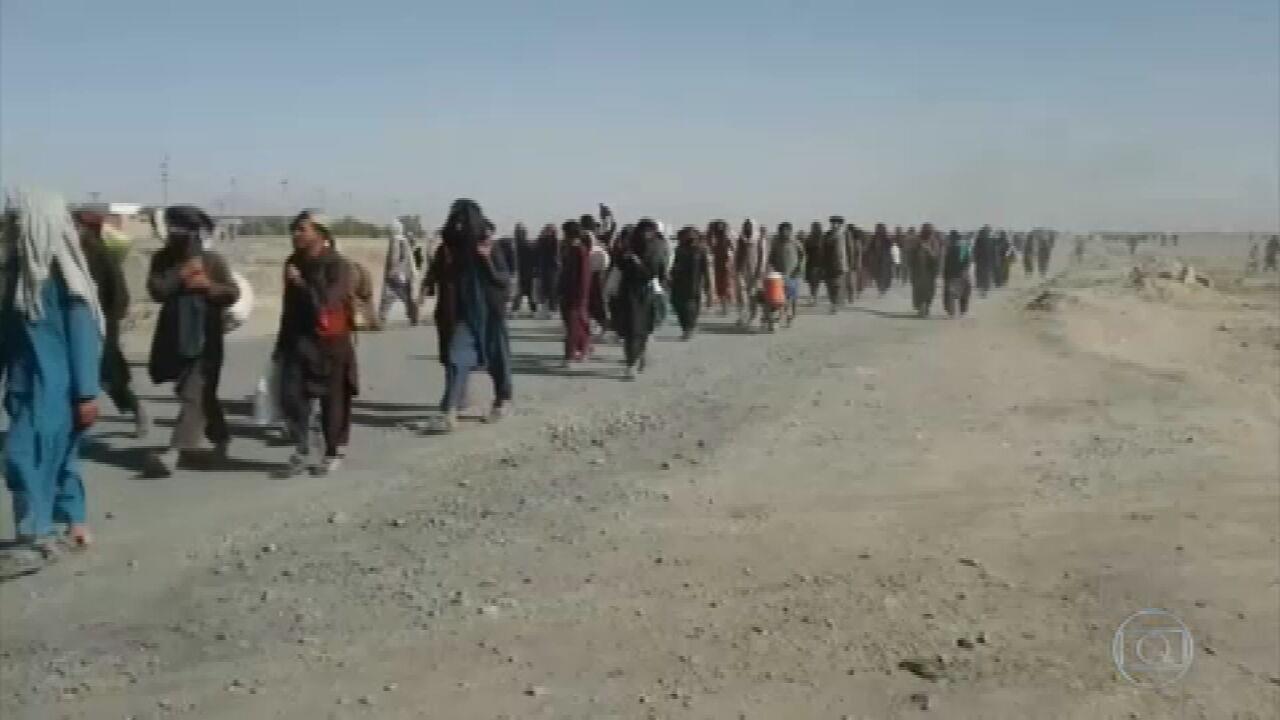 União Europeia faz reunião de emergência para discutir situação de refugiados do Afeganistão.